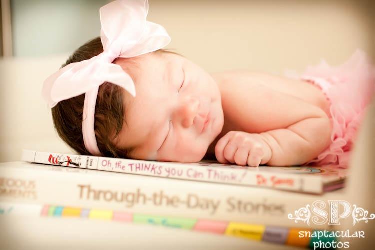 katy newborn photographer, houston baby photos, katy baby photographer, katy family photographer,baby's first year plan